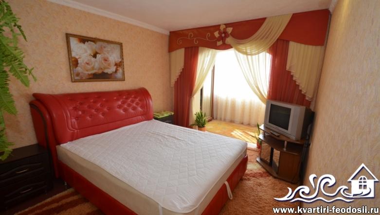 1-комнатный двухуровневый номер в частном секторе Феодосии-ул. Куйбышева