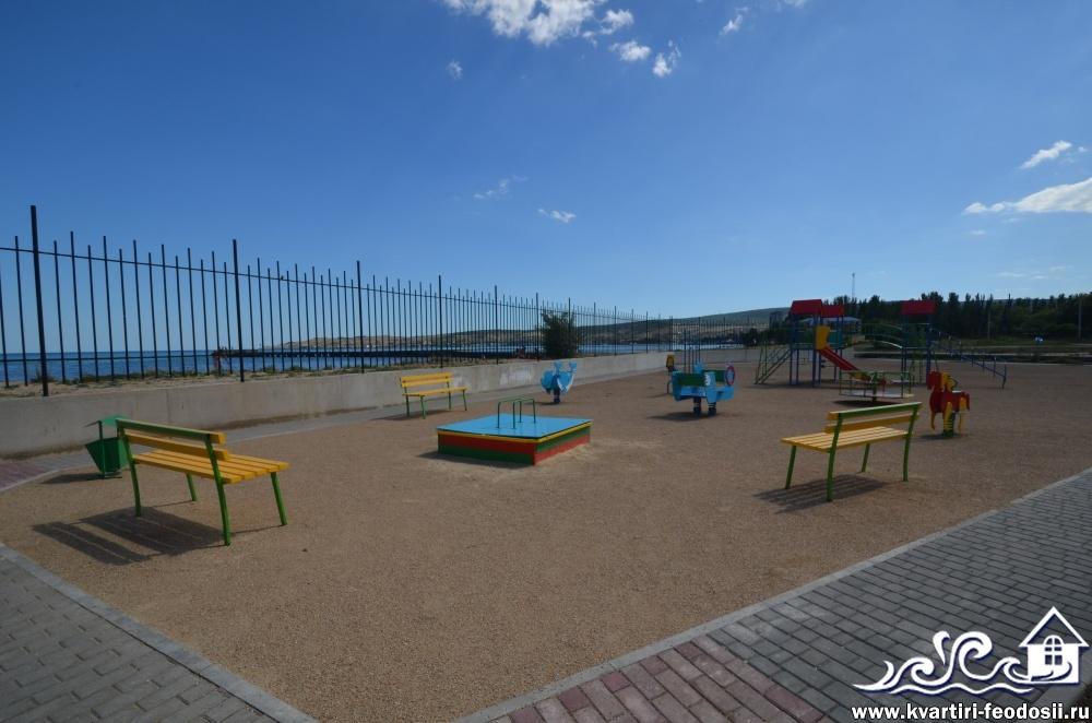 Детская зона на Черноморской набережной