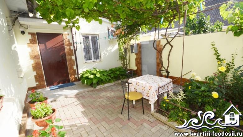 3-комнатный ДОМ в Феодосии-ул. Речная на 6 спальных мест (2+2+2)