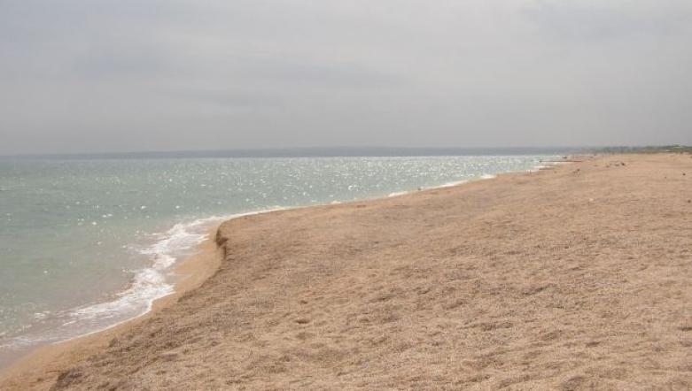 Пляж возле Петровской крепости