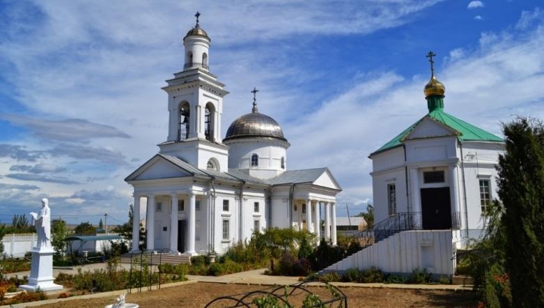 Храм во имя Скорбящей иконы Божьей Матери в селе Насыпное