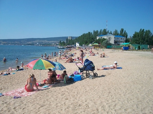 Пляж в Феодосии Золотой берег до 2-го городского