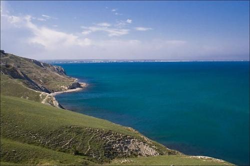 Пляжи вблизи мыса Ильи в Феодосии
