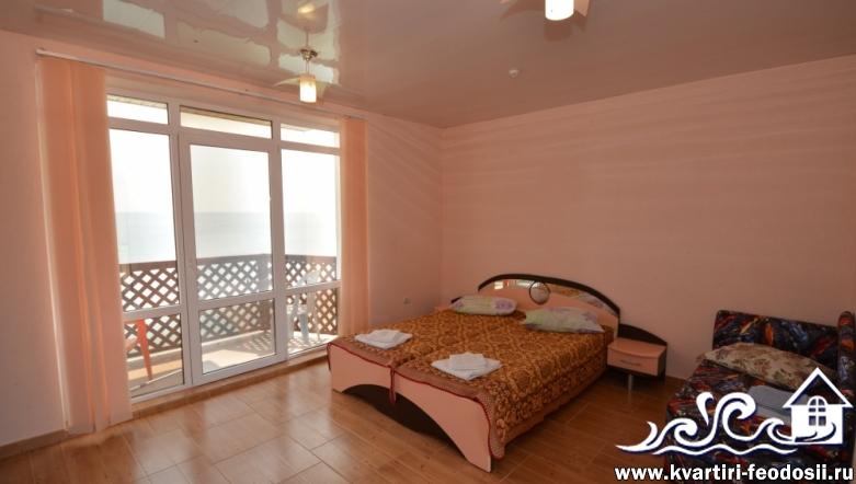 Эллинг в Приморском №10 с видом на море и балконом