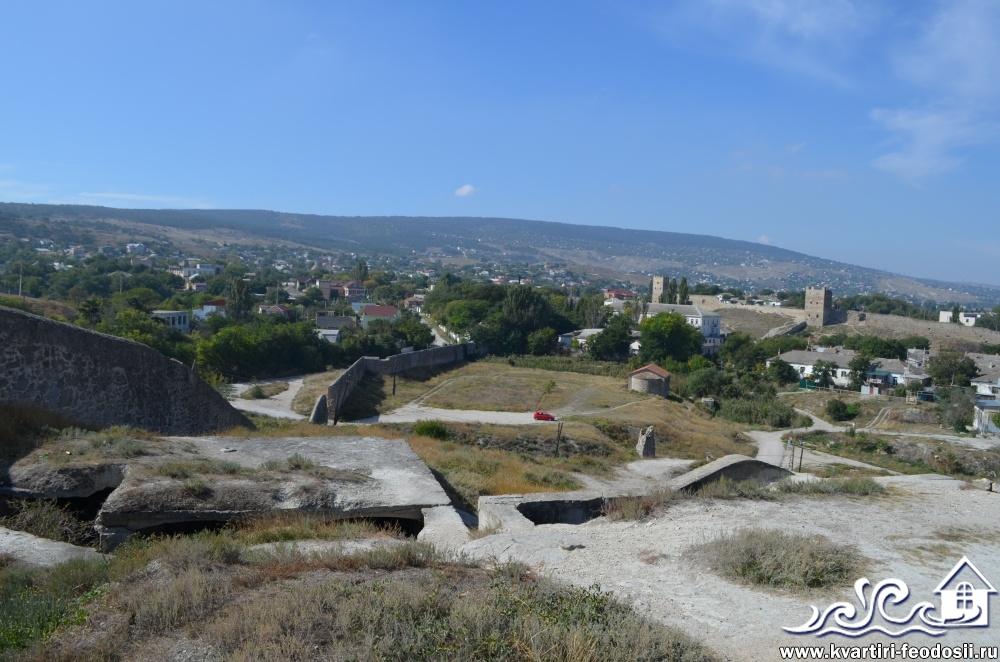 Руины старого города в Феодосии