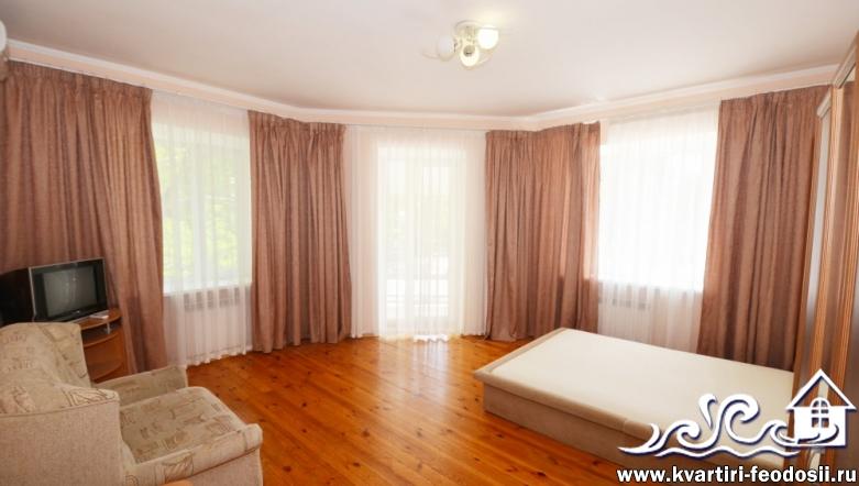 3-комнатная квартира в Феодосии-ул. Федько,35