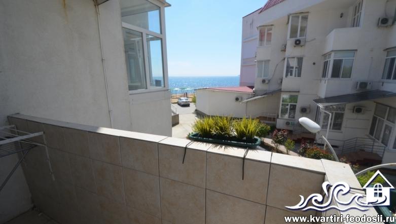 Апартаменты на 3 комнаты у моря в Феодосии-Черноморская набережная,1-Б