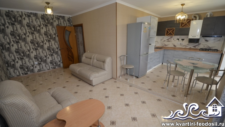 2-комнатная квартира в Феодосии-бул.Старшинова,27