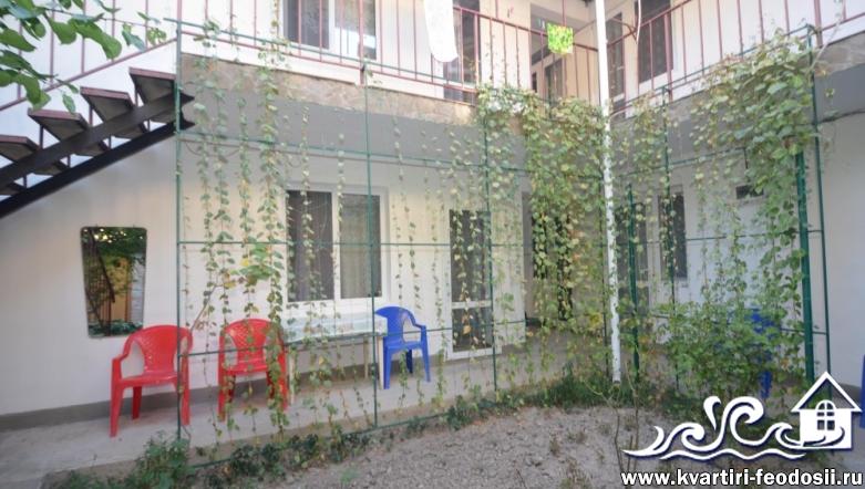 Недорогой хостел в центре Феодосии – ул. Галерейная
