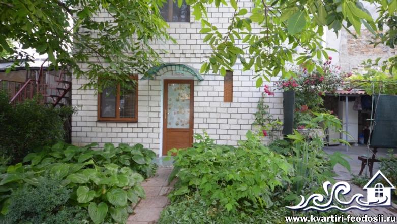 2-комнатный дом в Феодосии-пер. Советский