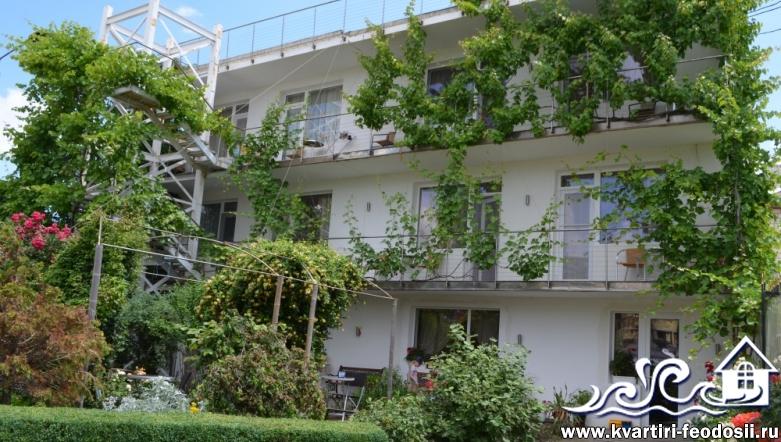 Гостиничный комплекс в Феодосии на Черноморской набережной