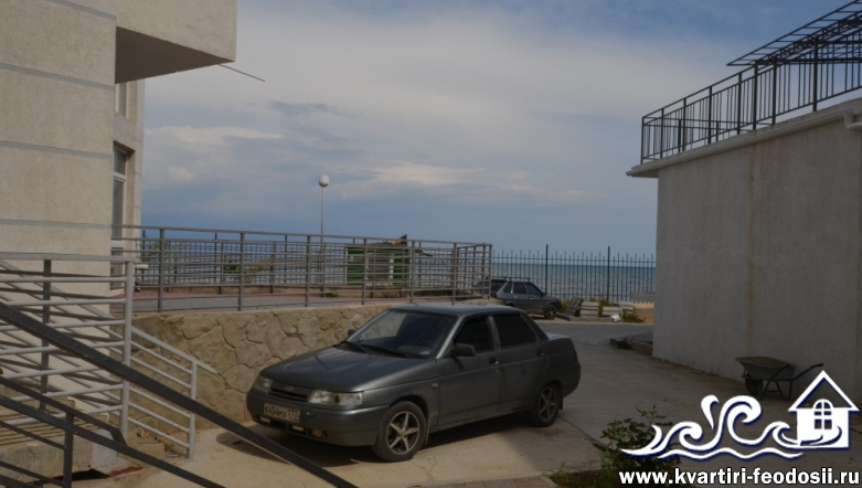 Эллинг в Феодосии на Черноморской набережной №6 люкс