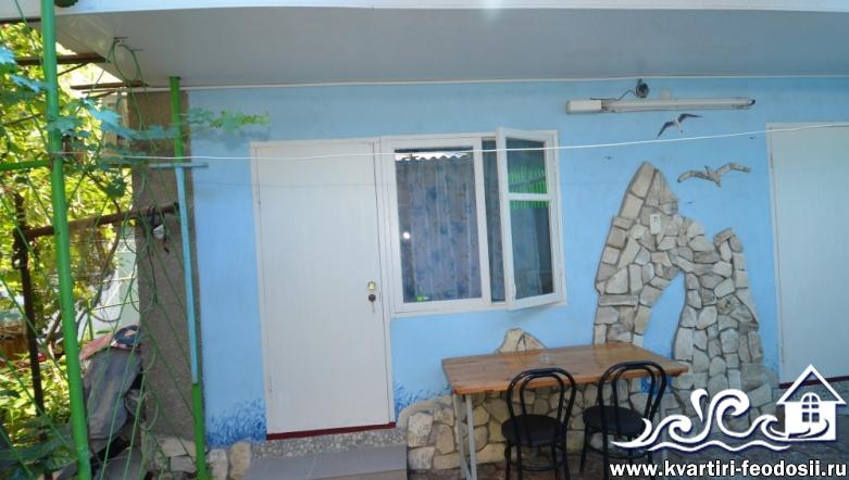 2-комнатный дом (с раздельными комнатами) в Феодосии-ул. Народная