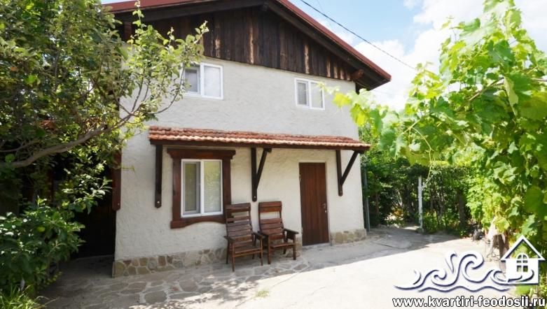 2-комнатный двухэтажный коттедж в Орджоникидзе – ул. Морская