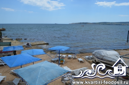Пляж  в конце Черноморской набережной