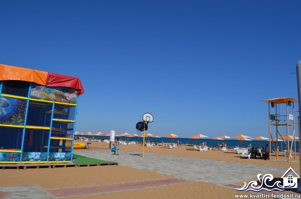 детский уголок на Золотом пляже
