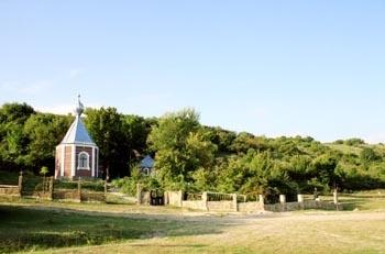 Источником Святого Пантелеймона – на берегу речки Чурук-Су в Старом Крыму
